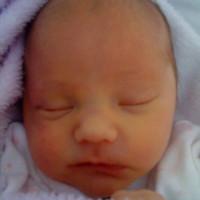 6. mese: Senki nem köszönt vissza – Kamilla (kora)születése